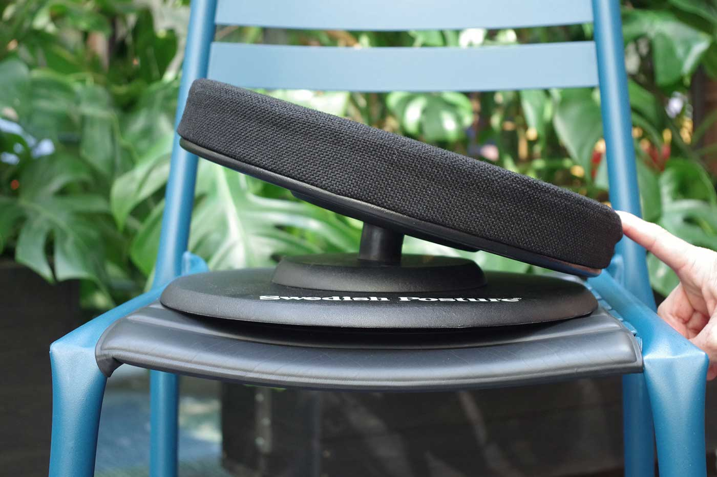 Posture balance seat on a chair